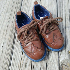 Toddler Carter's Oxford Size 5 Brown w brown laces